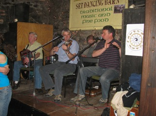 Four Courts Ceili Band